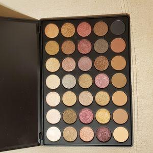 MORPHE 35 F eyeshadow palette